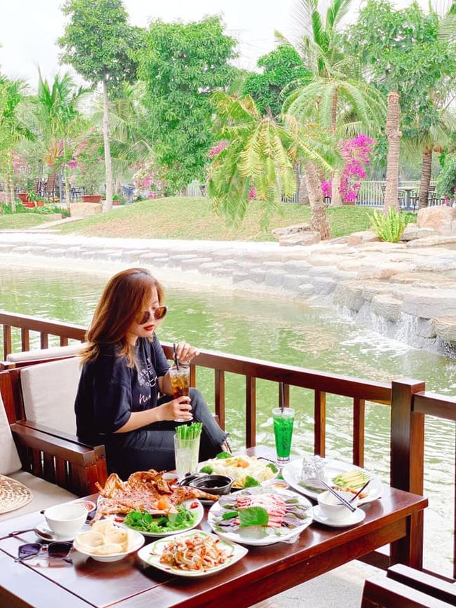 Bất ngờ khi giữa lòng Sài Gòn vẫn có thể tận hưởng biển xanh cát trắng, với 7749 góc check-in cực đẹp cho các chị em - Ảnh 7.
