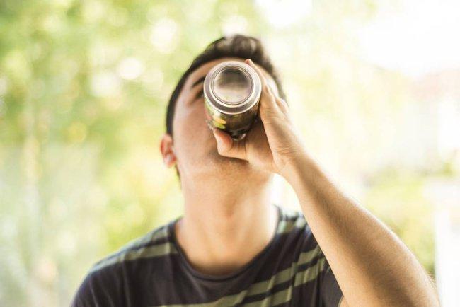 6 đồ uống có thể gây đau tim - Ảnh 2.