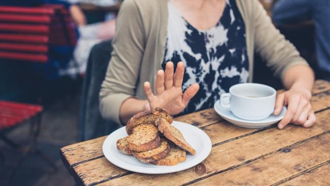 Chuyên gia chỉ ra các mẹo ăn uống giúp bạn kiểm soát triệu chứng của lạc nội mạc tử cung - Ảnh 2.