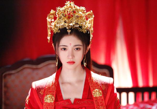Hoàng hậu dùng thân thế cao quý giúp chồng lên ngôi, sau bị phế truất vì mối tình đồng tính tai tiếng nhất lịch sử Trung Hoa phong kiến - Ảnh 2.