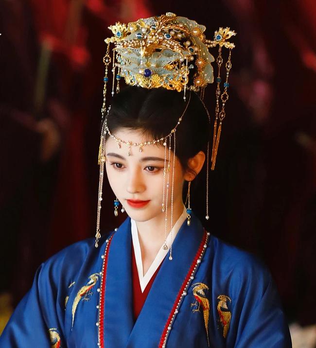 Hoàng hậu dùng thân thế cao quý giúp chồng lên ngôi, sau bị phế truất vì mối tình đồng tính tai tiếng nhất lịch sử Trung Hoa phong kiến - Ảnh 3.