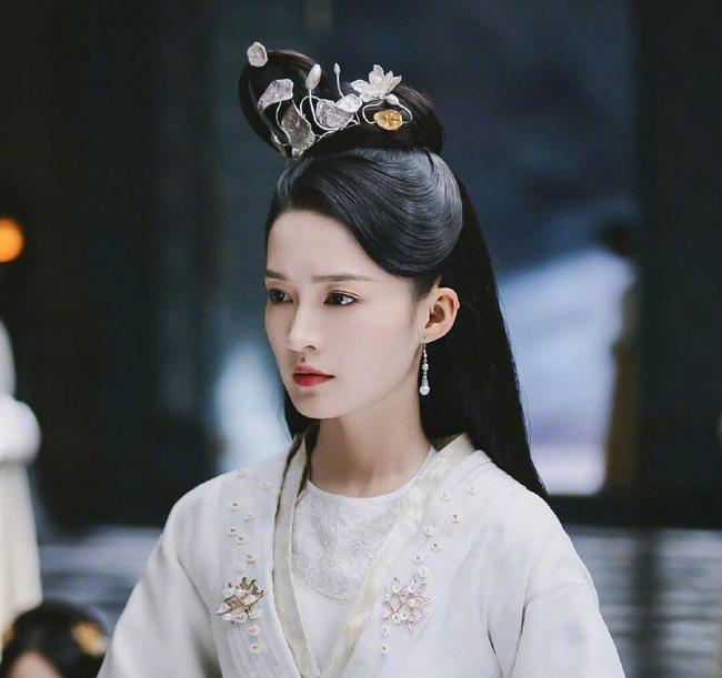 Hoàng hậu có xuất thân bần hàn bị hãm hại qua đời khi đang mang thai, Hoàng đế trả thù cho nàng bằng một cuộc thảm sát chấn động - Ảnh 3.