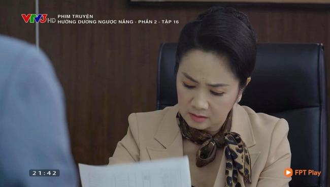 Hướng dương ngược nắng: Bà Cúc bất ngờ quan tâm lo lắng cho Minh giữa lúc con gái ruột mới gây thêm họa tày đình - Ảnh 3.