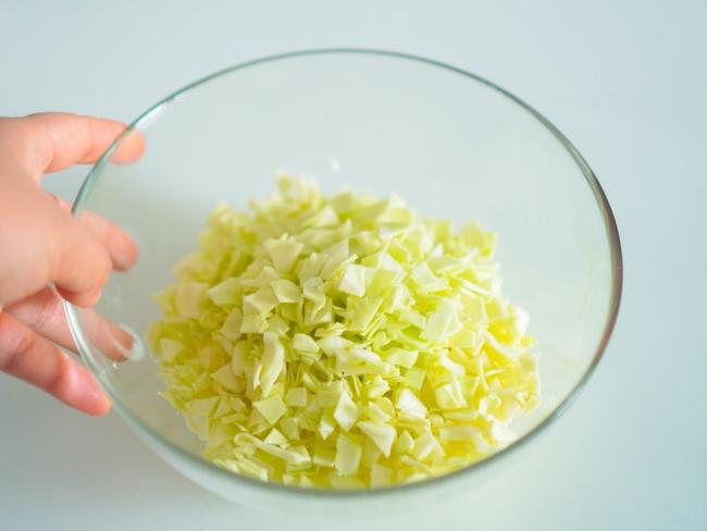 Mách bạn làm món bắp cải trộn giòn giòn ngon miệng - Ảnh 4.
