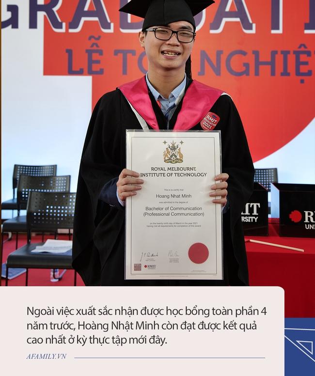 Được dự đoán bị mù vĩnh viễn năm 18 tuổi, chàng trai ở TP. HCM vẫn xuất sắc nhận học bổng toàn phần đại học quốc tế, đằng sau là sự đồng hành không mệt mỏi của người mẹ - Ảnh 1.