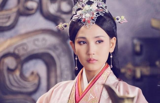 """Vị Hoàng hậu """"hoàn mỹ"""" nhất lịch sử Trung Hoa: Tài sắc vẹn toàn, khắc chồng khắc con nhưng phò tá 6 vị Hoàng đế, cứu giữ 1 triều đại - Ảnh 1."""