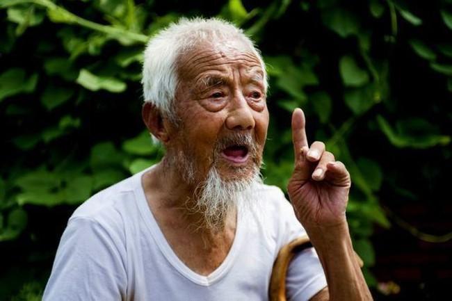 cu ong 113 tuoi tre nhu 80 tuoi bi quyet truong tho khong phai la tap the duc nhieu ma la hai dieu nay