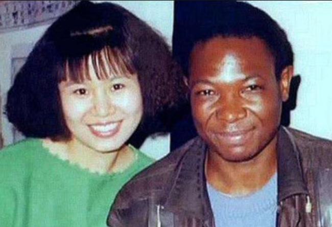 Nữ sinh đại học danh giá nhất quyết lấy chồng Châu Phi khiến bố mẹ khóc lụt nhà, cuộc sống hiện tại khiến ai nấy ngỡ ngàng - Ảnh 2.