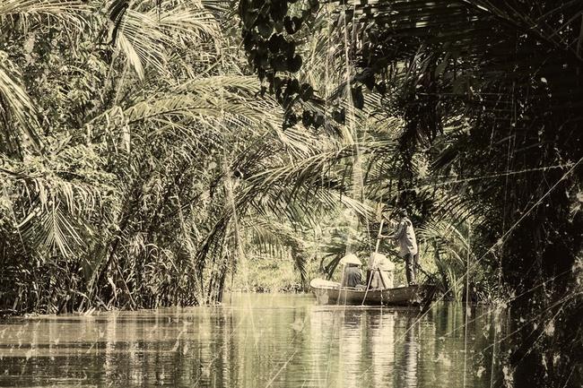 """Kỳ án """"vòng cẩm thạch"""" chấn động những năm 80: Cánh tay người lẫn trong đống lá và hố chôn xác tập thể giữa rừng dừa nước (KỲ 1) - Ảnh 1."""