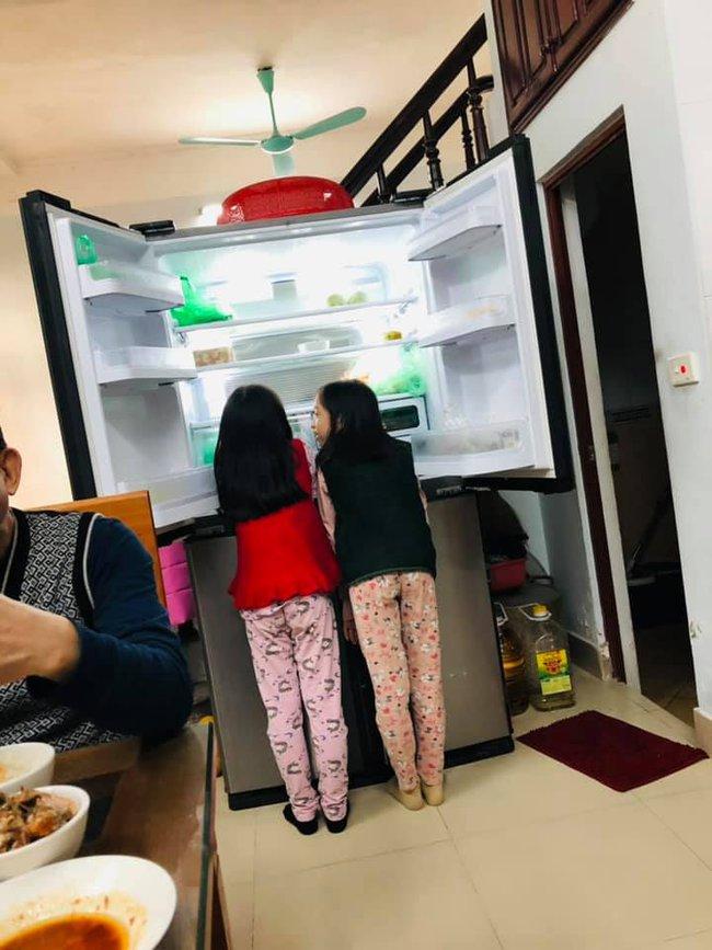 """Mẹ trẻ lên mạng cầu cứu vì con tối ngày mở tủ lạnh, ngờ đâu nhiều nhà còn chịu cảnh khủng khiếp hơn mà chỉ biết """"bó tay"""" bất lực - Ảnh 9."""