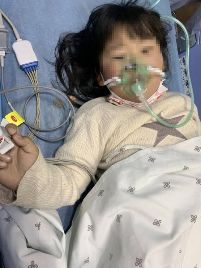 Bé gái 5 tuổi bị ngộ độc do ăn kim chi tự làm, cảnh báo khi ăn rau dưa muối - Ảnh 1.
