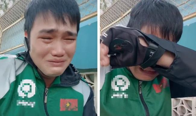 """Tài xế công nghệ ôm mặt khóc nức nở vì chạy được 2 đơn mà đứng chờ mất nửa tiếng: """"Đã cực khổ chạy xe ôm rồi các chị còn ác vậy được"""" - Ảnh 3."""