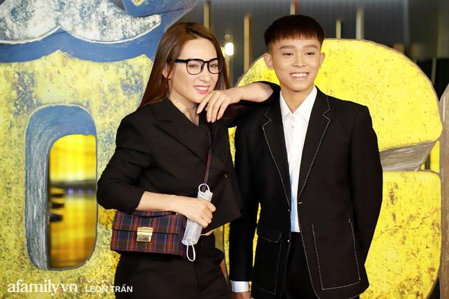 """Mẹ con Phi Nhung - Hồ Văn Cường xuất hiện gần gũi bên nhau sau ồn ào """"xin lỗi mẹ không dạy được con"""" - Ảnh 4."""