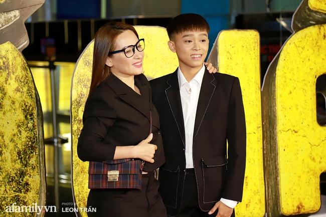"""Mẹ con Phi Nhung - Hồ Văn Cường xuất hiện gần gũi bên nhau sau ồn ào """"xin lỗi mẹ không dạy được con"""" - Ảnh 5."""