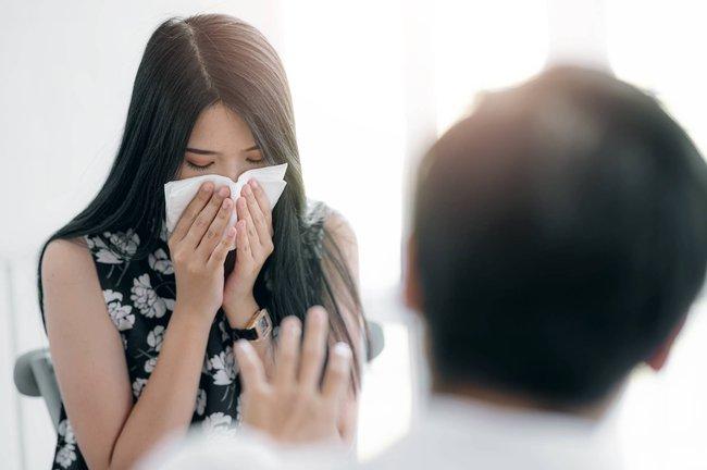 Mùa dị ứng bắt đầu khi nào? Chuyên gia đưa ra lời khuyên về thời điểm bạn nên dùng thuốc để ngăn ngừa tình trạng này - Ảnh 2.
