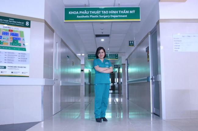 TS.BS Phạm Thị Việt Dung: Phẫu thuật tạo hình thẩm mỹ không đơn giản là nâng mũi, nâng ngực, cắt mí... - Ảnh 4.