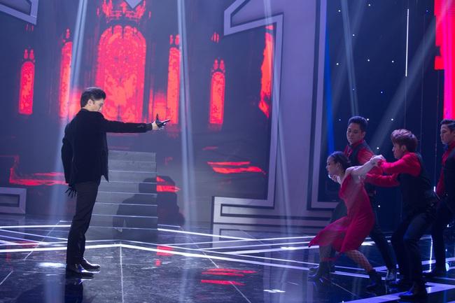 Trời sinh một cặp: Bi Max gây bất ngờ khi lấn sân ca hát, vừa xuất hiện đã khiến Uyên Linh - Nhã Phương cãi nhau tranh giành - Ảnh 7.