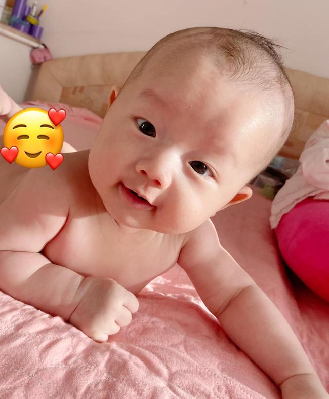 Tiết lộ tên thật của cặp sinh đôi nhà Hồ Ngọc Hà, Đặng Thu Thảo và loạt em bé nhà sao Việt mới chào đời  - Ảnh 7.