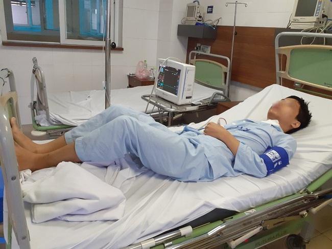 Hiếm gặp một bệnh nhi  15 tuổi mắc ung thư tuyến giáp di căn phổi hiếm gặp do  gia đình xin về không điều trị, cho uống thuốc nam - Ảnh 1.