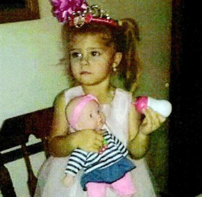 """Bé gái 3 tuổi mất tích giữa đêm, 5 ngày sau thi thể được tìm thấy dưới hồ nước, danh tính hung thủ khiến người mẹ """"hận"""" bản thân mình - Ảnh 5."""