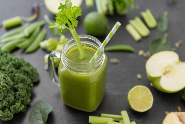 Khám phá ly nước ép rau xanh giúp Yến Trang giữ dáng, không cần ăn uống kiêng khem: Hóa ra toàn là siêu thực phẩm! - Ảnh 5.