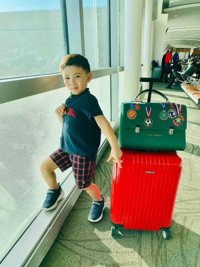 Con trai 4 tuổi của Đan Trường: Check-in sang chảnh đi Hawaii, điển trai lại còn dùng toàn đồ hiệu nhìn mà ngưỡng mộ - Ảnh 3.
