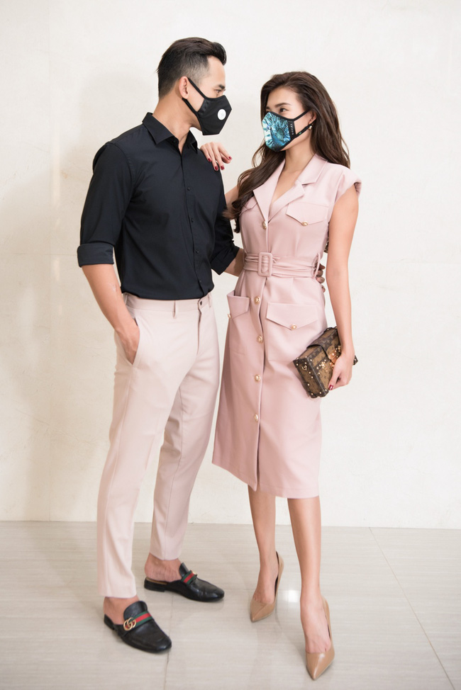 Thúy Diễm - Lương Thế Thành đeo khẩu trang đưa con trai cưng đi chơi phố  - Ảnh 6.