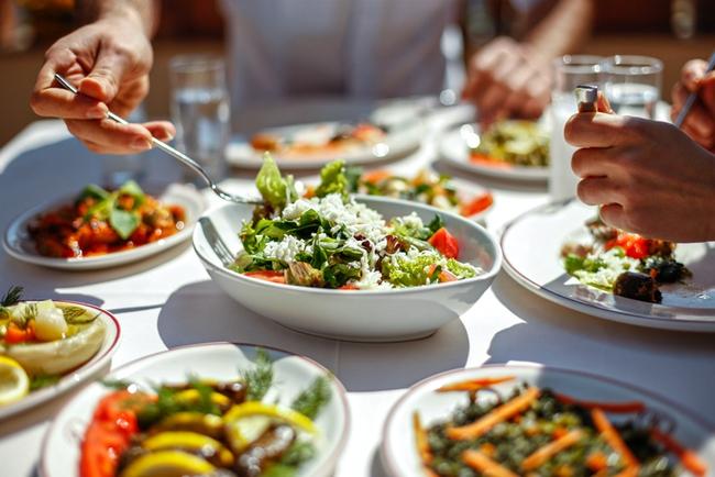 Cơ thể bạn sẽ thay đổi theo 5 điều sau khi ăn rau xanh đều đặn mỗi ngày - Ảnh 4.