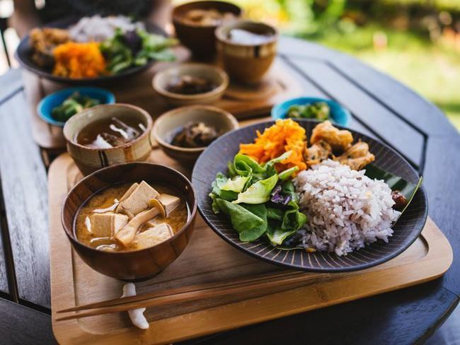 Chăm ăn rau củ thì giảm cân, đẹp da nhưng riêng 5 loại này thì phải hạn chế kẻo sinh tác dụng phụ, sinh bệnh hại thân - Ảnh 1.