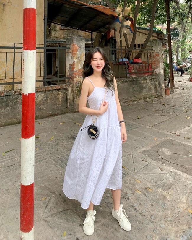"""12 mẫu váy hai dây diện đẹp từ đi chơi đến đi biển, nhìn giá chỉ từ 240k mà muốn """"rinh"""" hết về nhà - Ảnh 23."""