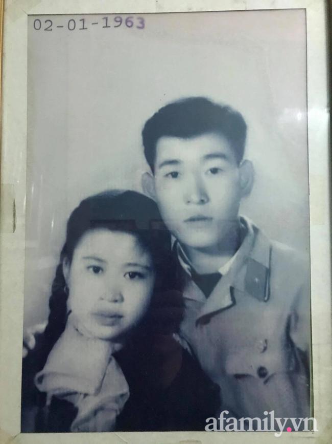 Câu chuyện đi làm căn cước công dân của cặp vợ chồng Quảng Ninh bên nhau 61 năm, U90 nhưng luôn đồng hành, sáng sớm dắt tay nhau đi chợ dù cách nhà chỉ 500m - Ảnh 3.