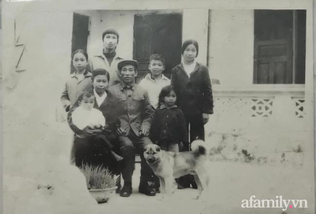 Câu chuyện đi làm căn cước công dân của cặp vợ chồng Quảng Ninh bên nhau 61 năm, U90 nhưng luôn đồng hành, sáng sớm dắt tay nhau đi chợ dù cách nhà chỉ 500m - Ảnh 4.