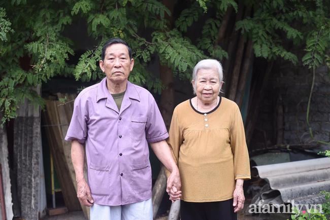 Câu chuyện đi làm căn cước công dân của cặp vợ chồng Quảng Ninh bên nhau 61 năm, U90 nhưng luôn đồng hành, sáng sớm dắt tay nhau đi chợ dù cách nhà chỉ 500m - Ảnh 7.