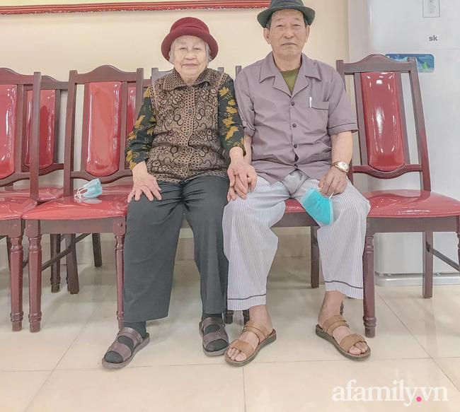 Câu chuyện đi làm căn cước công dân của cặp vợ chồng Quảng Ninh bên nhau 61 năm, U90 nhưng luôn đồng hành, sáng sớm dắt tay nhau đi chợ dù cách nhà chỉ 500m - Ảnh 11.