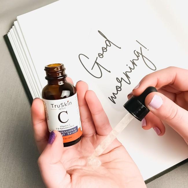 7 lọ serum vitamin C bác sĩ khuyên dùng vào buổi sáng để nắng gắt đến mấy da vẫn sáng bật tông, không khuyết điểm - Ảnh 13.
