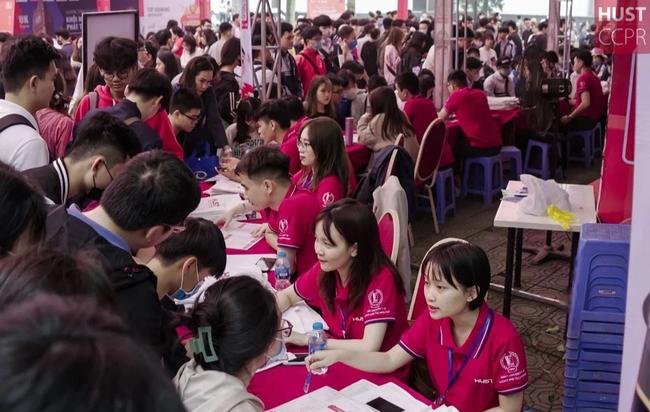 Đại học danh giá bậc nhất Hà Nội, đẹp như phim Trái tim mùa thu: Học sinh nếu 3 môn không đạt từ 9 điểm trở lên thì đừng liều đăng ký - Ảnh 3.