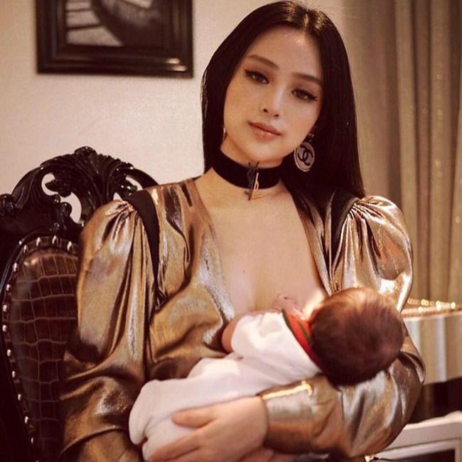 """Khoe ảnh cho con bú, Hòa Minzy trông rõ khổ, một người khiến dân mạng thốt lên: """"Cho con bú thôi chị có cần phải đẹp thế không?"""" - Ảnh 17."""