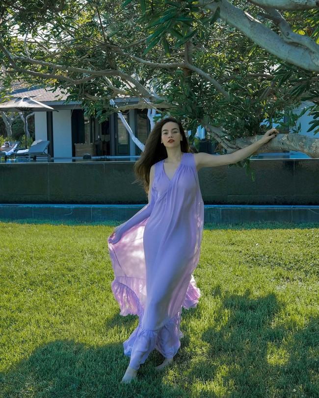 Hà Hồ mới diện một chiếc váy đỏ xinh ngây ngất, nhìn lại mới thấy cô có bao set váy đơn giản và hợp nàng 30+ - Ảnh 3.