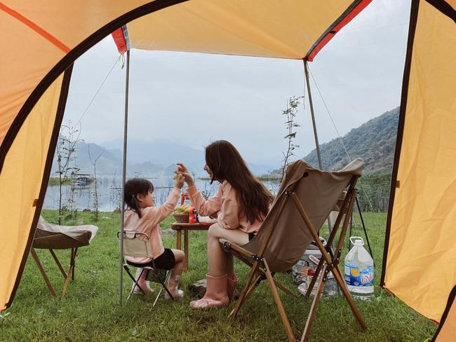 """Ngay gần Hà Nội có một khu cắm trại """"ôm trọn bình yên"""", lọt thỏm giữa thiên nhiên lại có 1001 góc vui chơi, sống ảo đẹp xỉu cho mẹ và bé như thế này! - Ảnh 11."""