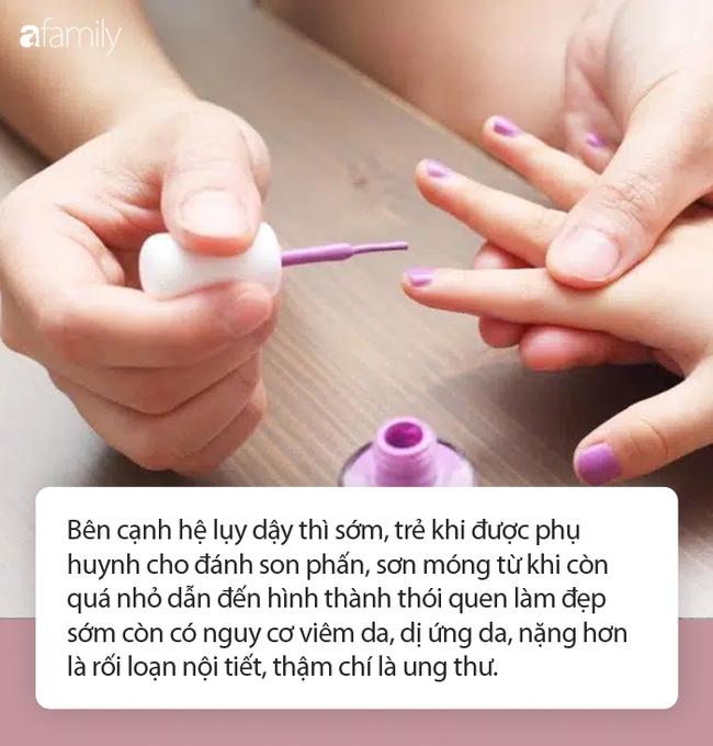 Cho trẻ đánh phấn son, sơn móng tay: Nguy cơ rối loạn nội tiết, dậy thì sớm, thậm chí là ung thư - Ảnh 4.