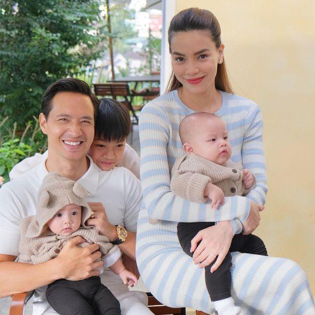Hình ảnh gia đình 5 người siêu ngọt ngào của Hồ Ngọc Hà - Kim Lý ở Đà Lạt, nhìn cách cặp vợ chồng dõi theo Subeo mà xúc động - Ảnh 2.