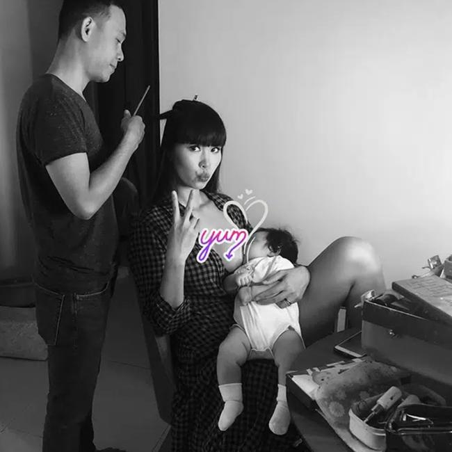 """Khoe ảnh cho con bú, Hòa Minzy trông rõ khổ, một người khiến dân mạng thốt lên: """"Cho con bú thôi chị có cần phải đẹp thế không?"""" - Ảnh 10."""