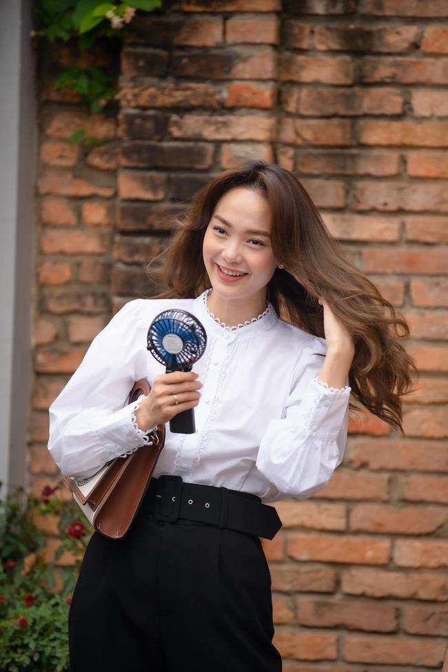 Xem Minh Hằng nhá hàng tạo hình trong phim mới mà phải công nhận: Đây chính là nàng công sở mặc đẹp top đầu màn ảnh Việt - Ảnh 1.