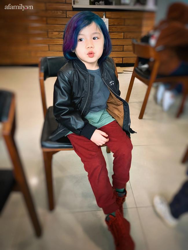 """Nữ CEO 2 thương hiệu thời trang thiết kế: Coi việc thay đổi kiểu tóc là đam mê, từng tự tay """"biến hình thần sầu"""" cho con trai 5 tuổi với tóc nhuộm - Ảnh 13."""