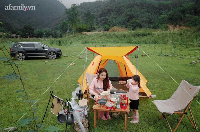 """Cách Hà Nội không xa có một khu cắm trại """"ôm trọn bình yên"""", lọt thỏm giữa thiên nhiên lại có 1001 góc vui chơi, sống ảo đẹp xỉu cho mẹ và bé như thế này! - Ảnh 1."""