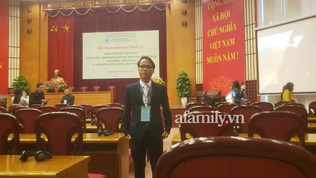 """Tác giả Chữ Việt Nam song song 4.0: Dự định in sách và vận động dạy chữ mới ở trường THPT và đại học, sẽ """"truyền"""" chữ cho các con khi đủ tuổi - Ảnh 1."""