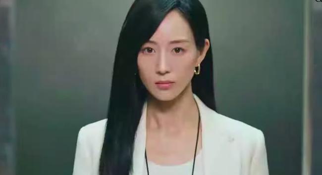 Nữ bác sĩ tâm lý: Dương Tử bị chê diễn đơ vẫn lên No.1 Hot Search, Trương Quân Ninh xuất hiện cực đẹp - Ảnh 3.