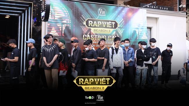 """Rap Việt mùa 2 casting toàn """"quái vật"""": Có cả người từng làm giám khảo với Binz, GDucky khiến dân mạng nháo nhào đồn đoán khi xuất hiện - Ảnh 11."""
