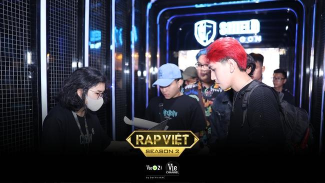 """Rap Việt mùa 2 casting toàn """"quái vật"""": Có cả người từng làm giám khảo với Binz, GDucky khiến dân mạng nháo nhào đồn đoán khi xuất hiện - Ảnh 14."""
