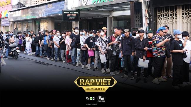"""Rap Việt mùa 2 casting toàn """"quái vật"""": Có cả người từng làm giám khảo với Binz, GDucky khiến dân mạng nháo nhào đồn đoán khi xuất hiện - Ảnh 2."""